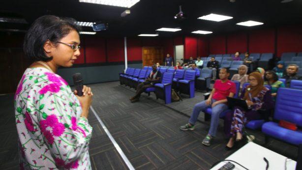 "University Malaya Medical Centre (UMMC) neurologist Prof Dr Nortina Shahrizaila (left) speaks during the ""Motor Neurone Disease (MND) Clinic"" at Sri Pentas. Pic by NURUL SHAFINA JEMENON"